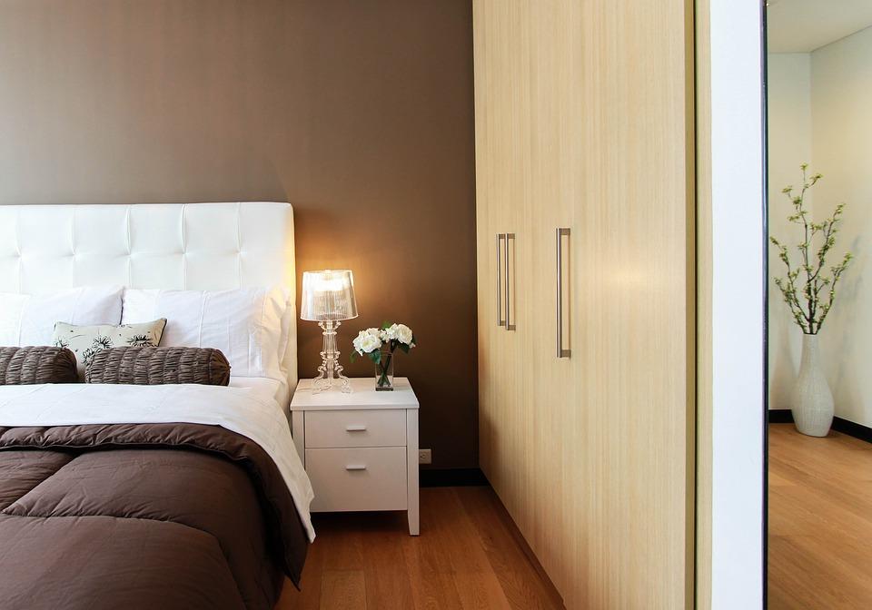 modnie urządzona sypialnia